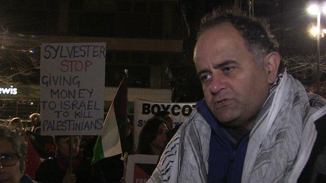 Stallone visit met by Palestine demonstration