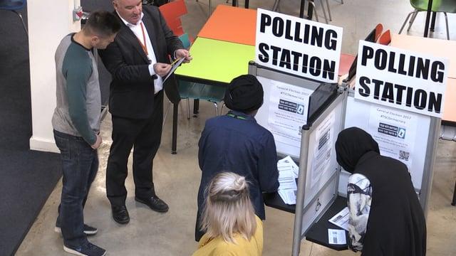 College campaign promotes voter registration