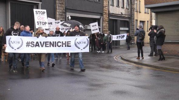 Dozens rally to save Niche Nightclub