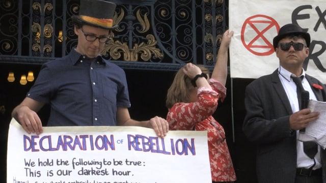 Activists continue climate change protest